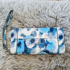 🦄 Guess - Floral Wristlet